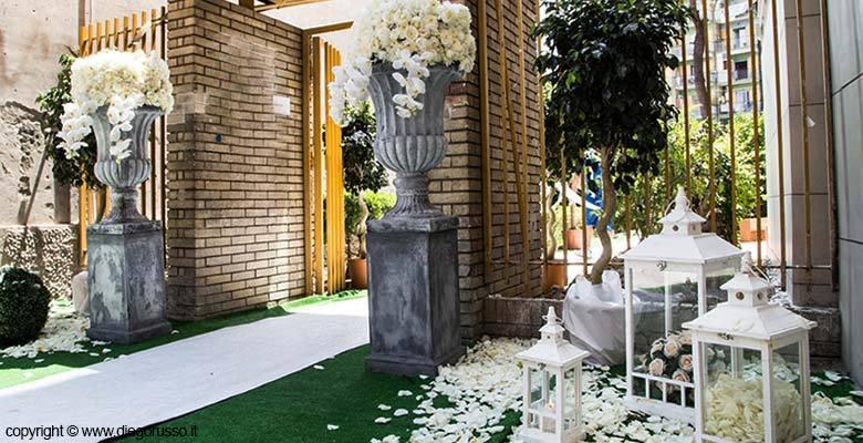 Gli addobbi del palazzo fotografo matrimonio napoli - Addobbi floreali casa sposa ...