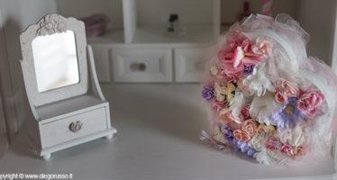 foto scatola per colazione con fiori