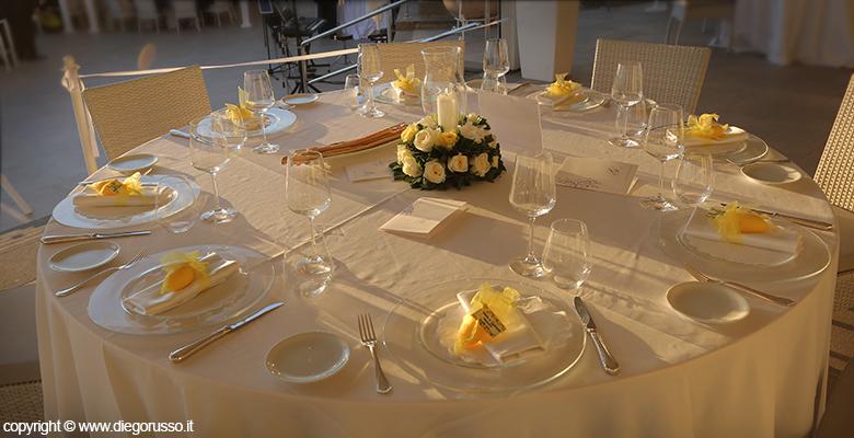 Matrimonio Tema Tavoli : Matrimonio tavoli in tema giallo fotografo