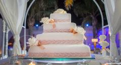 torta nuziale con perle