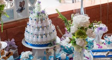 Tavolo per la confettata a casa della sposa