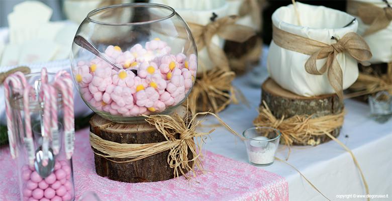 Tavolo confetti e marshmallows