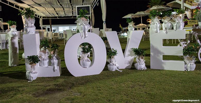 Love: le scritte da matrimonio