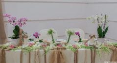 Tavolo sposi: decorazioni con orchidee
