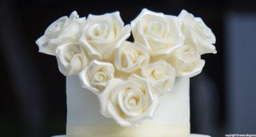 Cake topper: un cuore di rose
