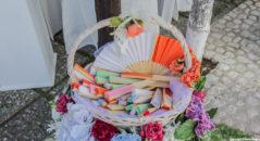 Matrimonio in estate: ventagli colorati