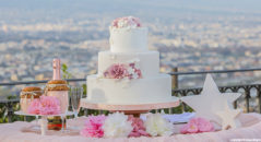 Wedding cake: decorazioni floreali