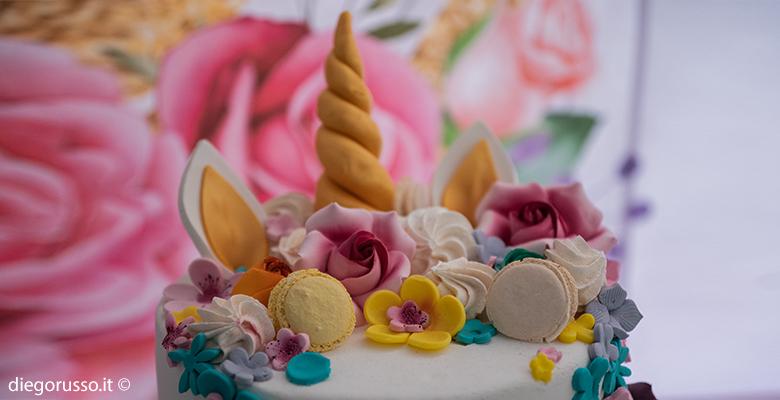 Cake topper tema unicorno