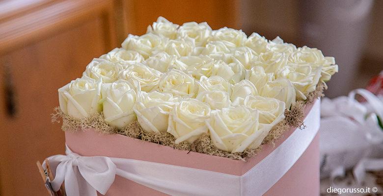 Rose bianche per sposa