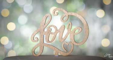 Cake topper in love