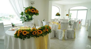 Allestimenti con girasoli sala cerimoniale il Soffione