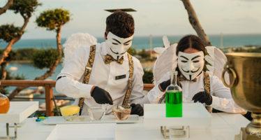 Open bar al matrimonio: finti chimici con maschere